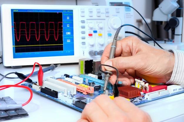 電子機器の技術テスト