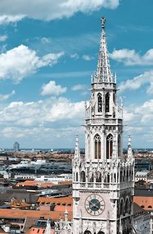 Старая ратуша и крыши мюнхена