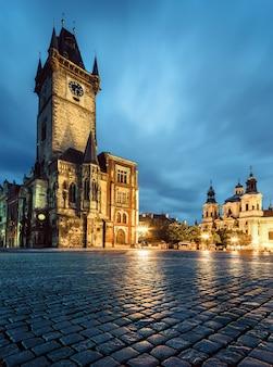 プラハ、旧市庁舎の夕方