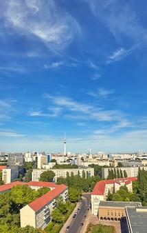 夏の晴れた日に上から東ベルリン