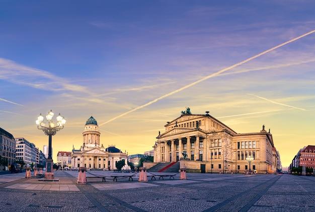 日没のベルリンのジャンダルメンマルクト