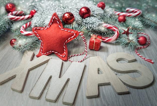 木の手紙「クリスマス」と冬の装飾
