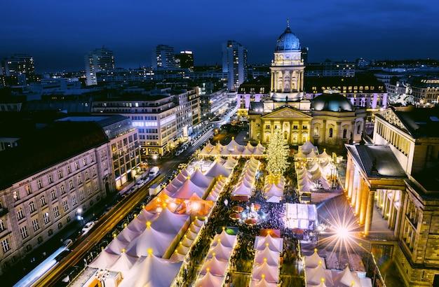 上からベルリンのクリスマスマーケット