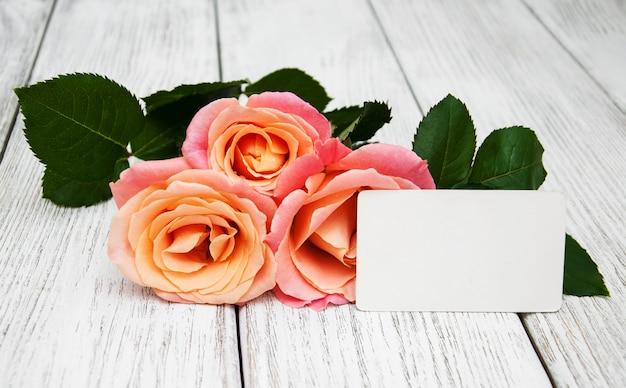 ピンクのバラとグリーティングカード