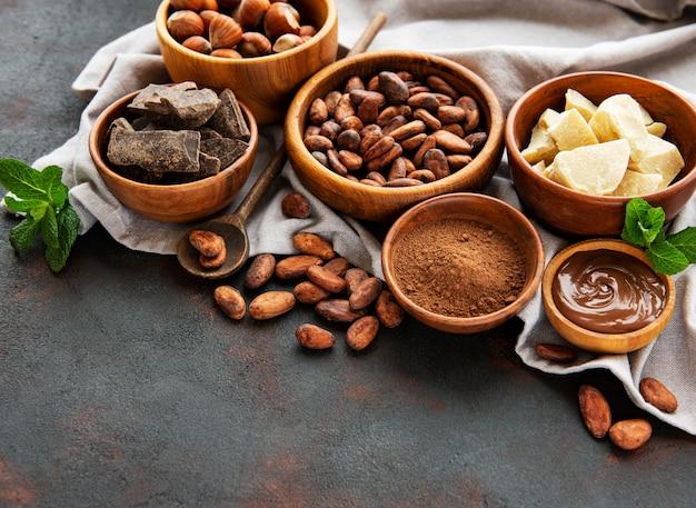 ココア豆、バターとチョコレート