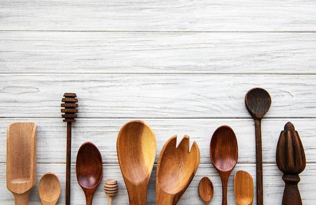 Кухонные принадлежности из дерева