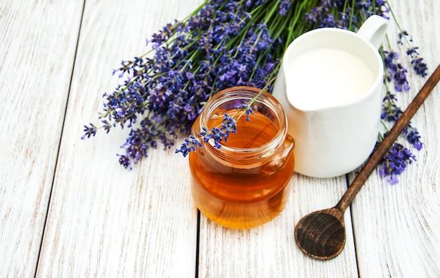 蜂蜜とラベンダー