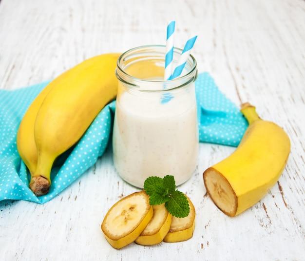 Бананы с йогуртом
