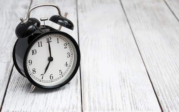 黒の目覚まし時計