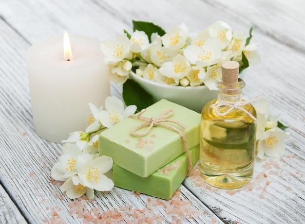 Концепция спа с цветами жасмина
