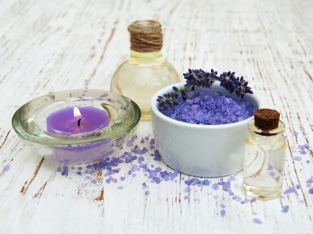 Лаванда, морская соль и свеча
