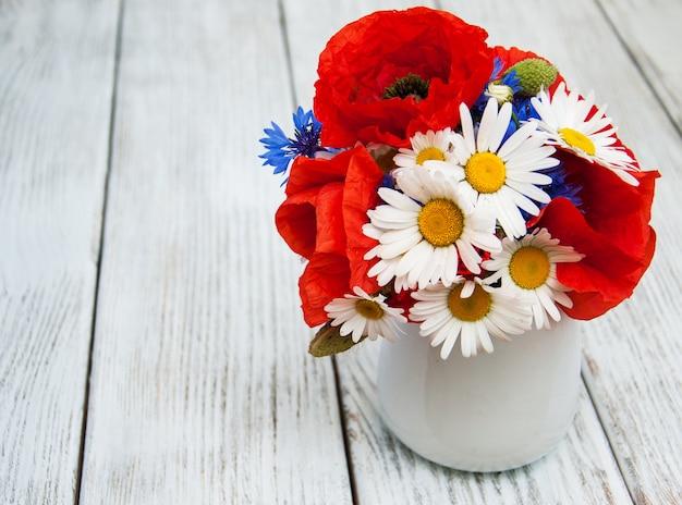 野生の花の花束