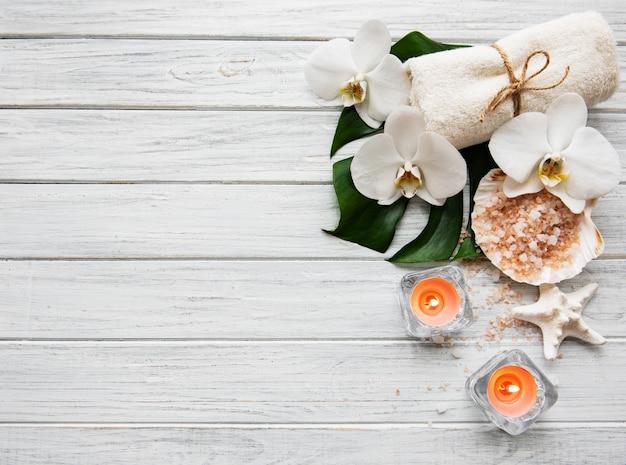Натуральные спа-ингредиенты с цветами орхидеи
