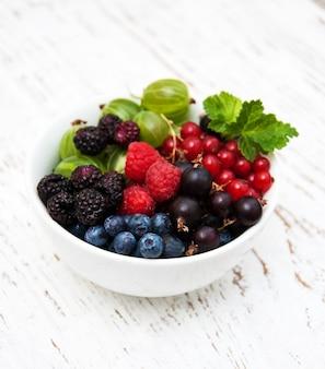 果実とボウル
