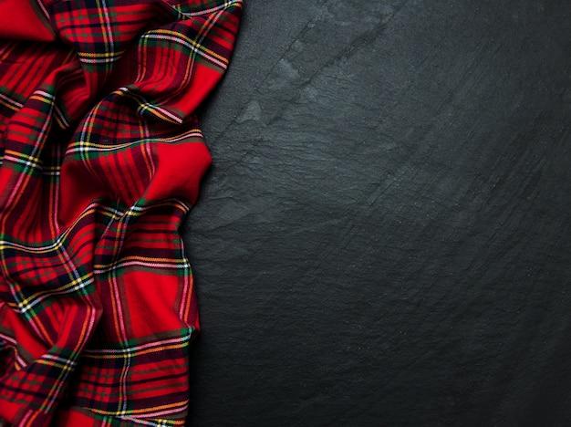 黒いスレートの市松模様ナプキン