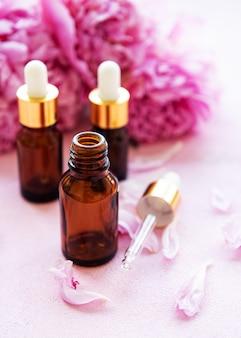 Ароматерапия эфирные масла и розовые пионы