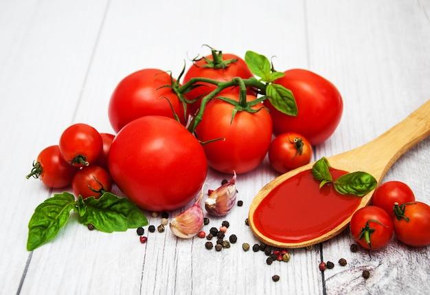 トマトソースのスプーン