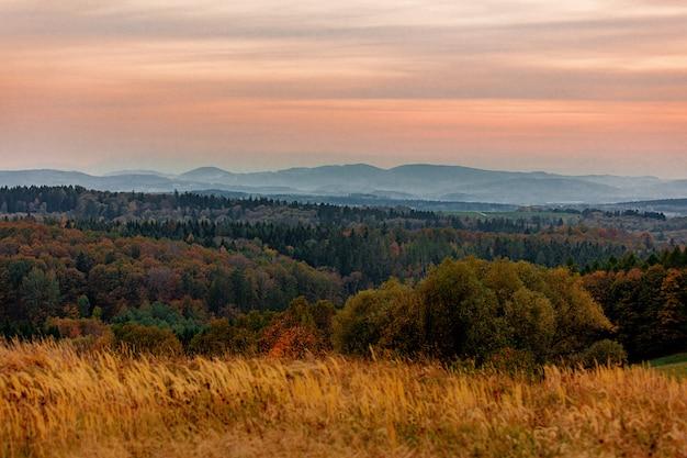 Вид на горы бескиды во время заката
