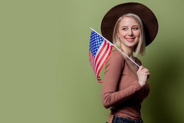 アメリカ合衆国の国旗と帽子の美しい騎乗位
