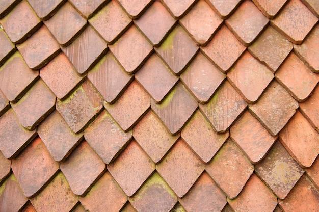 古い赤い屋根瓦の背景テクスチャ