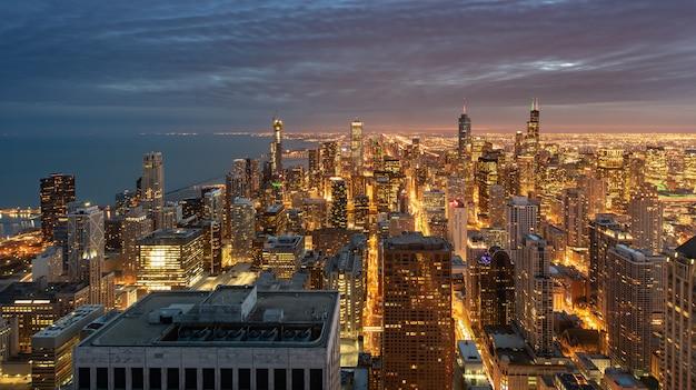 Чикаго городской пейзаж ночью