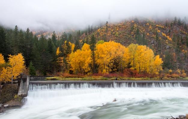 秋の美しいレブンワース