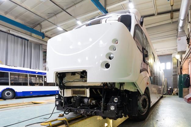 トロリーバスの生産ライン