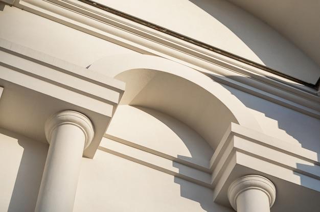 フラグメントホワイトクラシックな建物、シームレスなパターン、テクスチャ