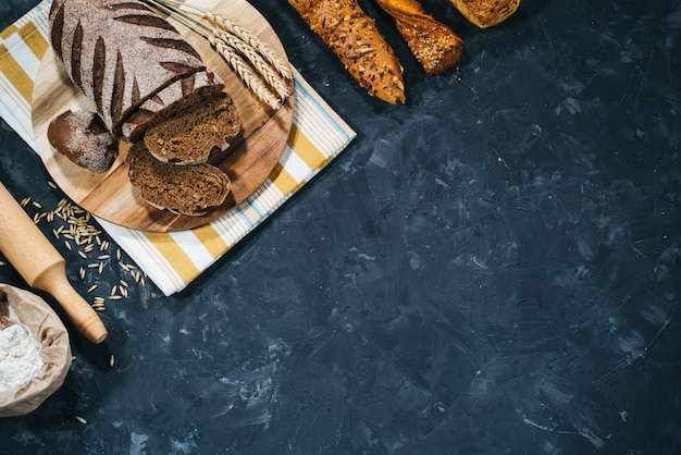 Свежий домашний хлеб