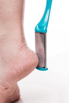 Уход за сухой кожей на ухоженных ступнях и пятках