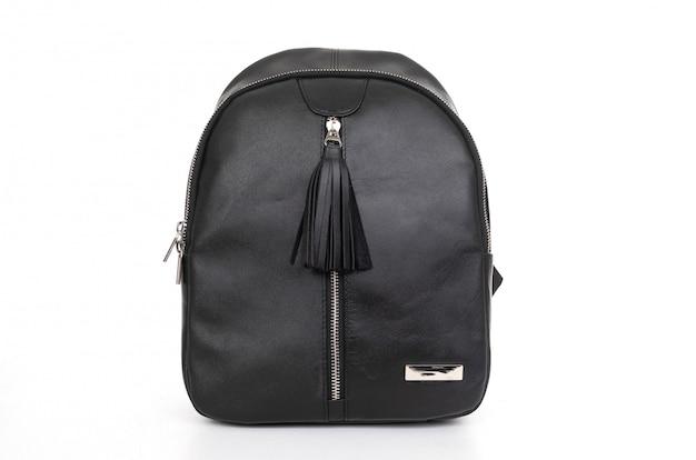 Стильный кожаный черный женский рюкзак на белом