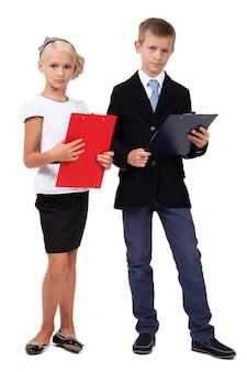 白い背景の上のビジネススーツの学生