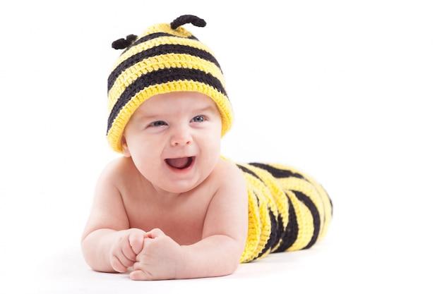蜂の衣装でかわいい男の子