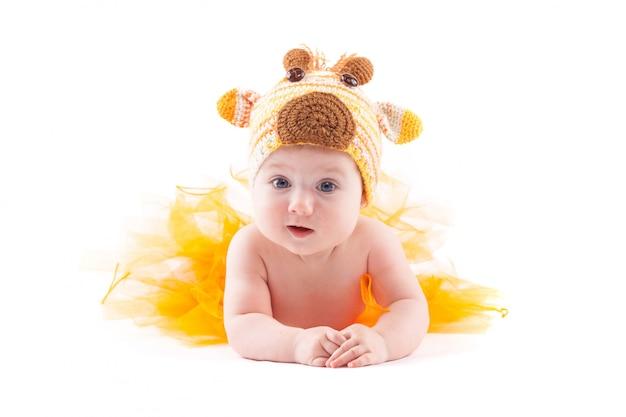 美白おむつと鹿の帽子の少女