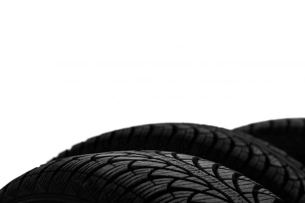 黒いタイヤの写真