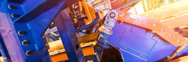 製造時のグラスファイバー生産産業機器