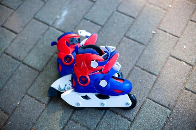 インラインスケートやローラーブレードのクローズアップ表示