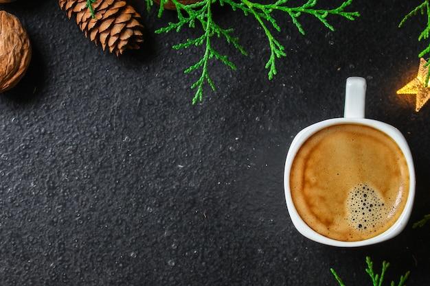 コーヒー、新年、クリスマスの背景またはノエルの休日のお祝い