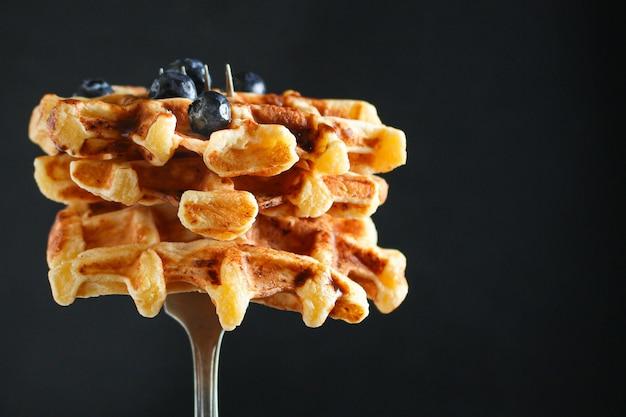 ベルギーワッフルのおいしい甘い料理のデザート