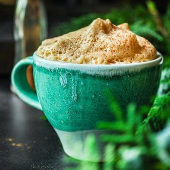 Чашка горячего кофе, какао или горячего шоколада