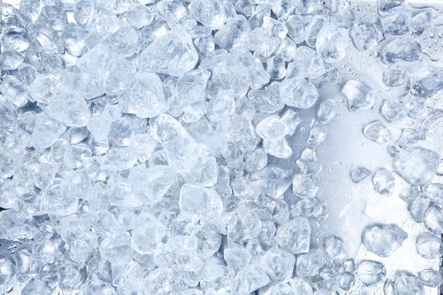 砕いた氷の背景。