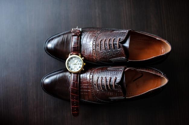 メンズ腕時計と靴