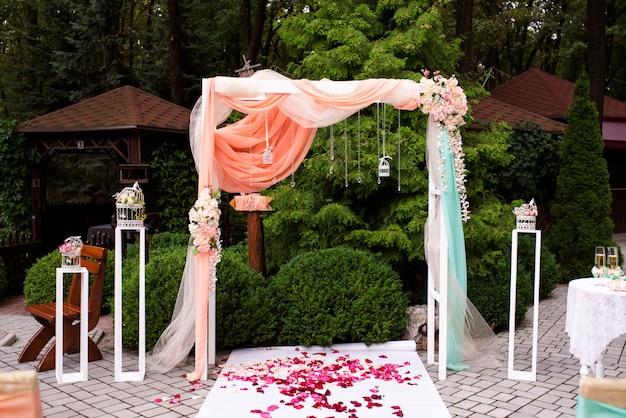 美しい結婚式の装飾。