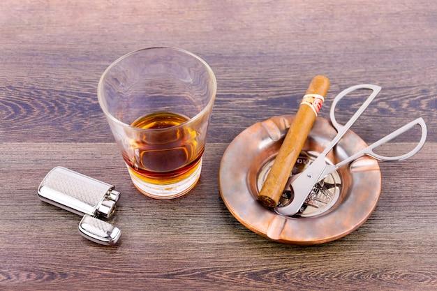 飲むと喫煙