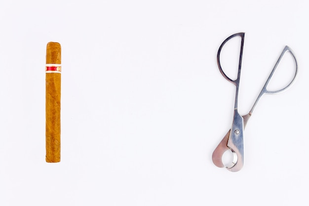 Сигара и резак