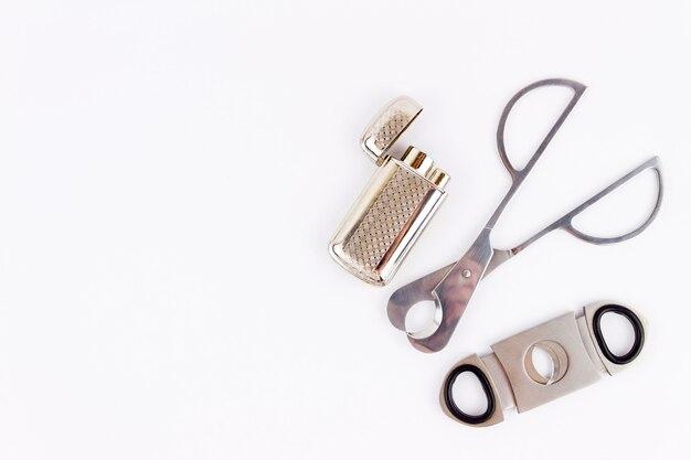 Объектная фотосъемка сигарорезок и зажигалки