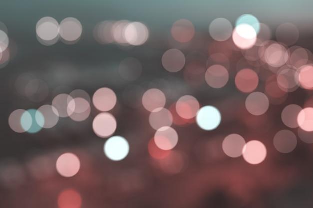 ピンぼけライト、ぼやけた夜の街の景色。