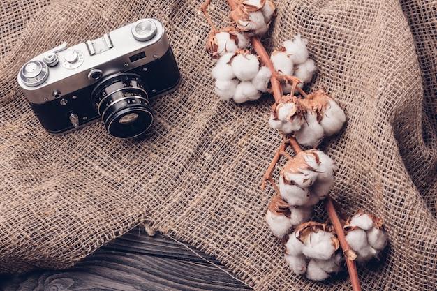 綿と黄麻布のフィルムレトロカメラ