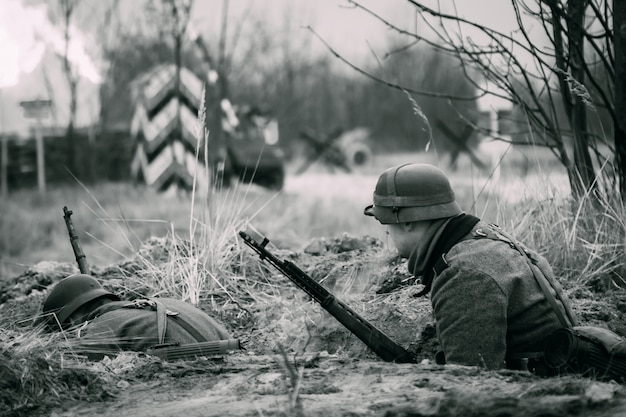 Солдаты вермахта в укрытии второй мировой войны