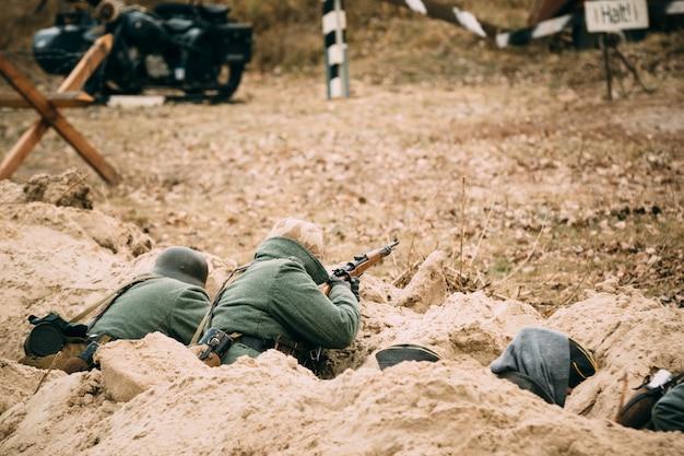 Германия солдаты в окопах